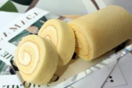 Camaca Vanilla Cheese Roll